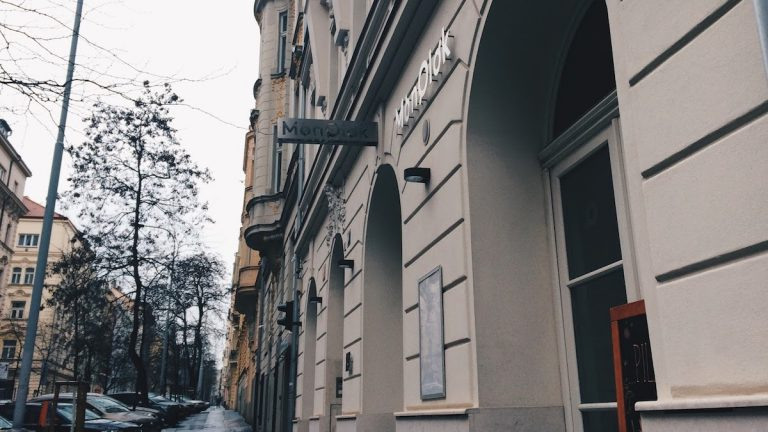 MONOLOK CAFE | Prague Coffee Guide